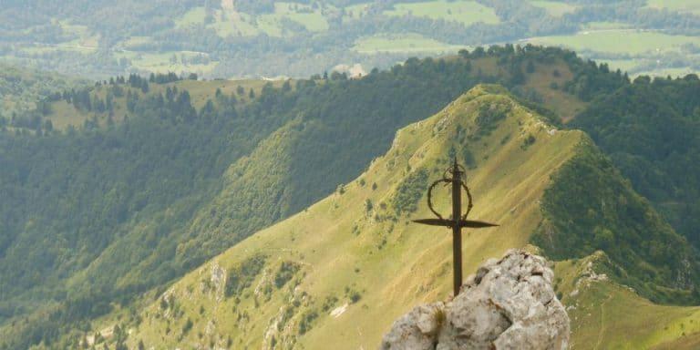 hiking krn cross memorial