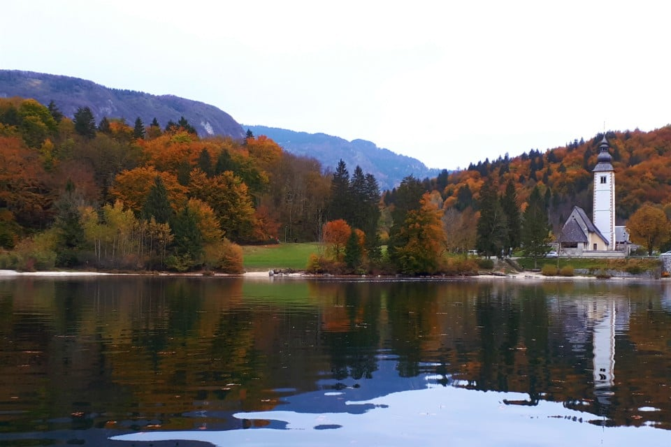 lake bohinj colours autumn